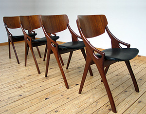 4 Dinning chairs designed by Hovmand Olsen