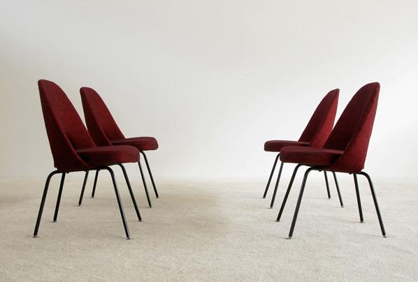 4 Eero Saarinen for Knoll mod. 71 executive side chairs