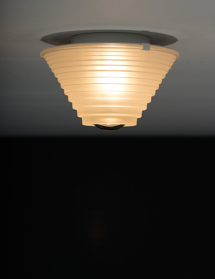 Angelo Mangiarotti Egina ceiling light Artemide