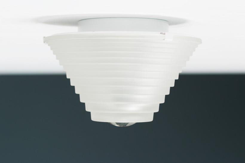 Angelo Mangiarotti Egina ceiling light Artemide img 6