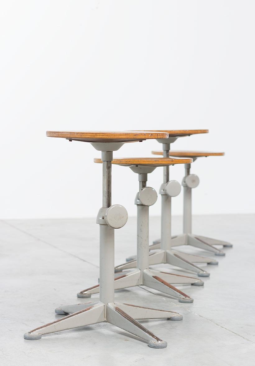 Architect swivel stools designed by Friso Kramer img 3