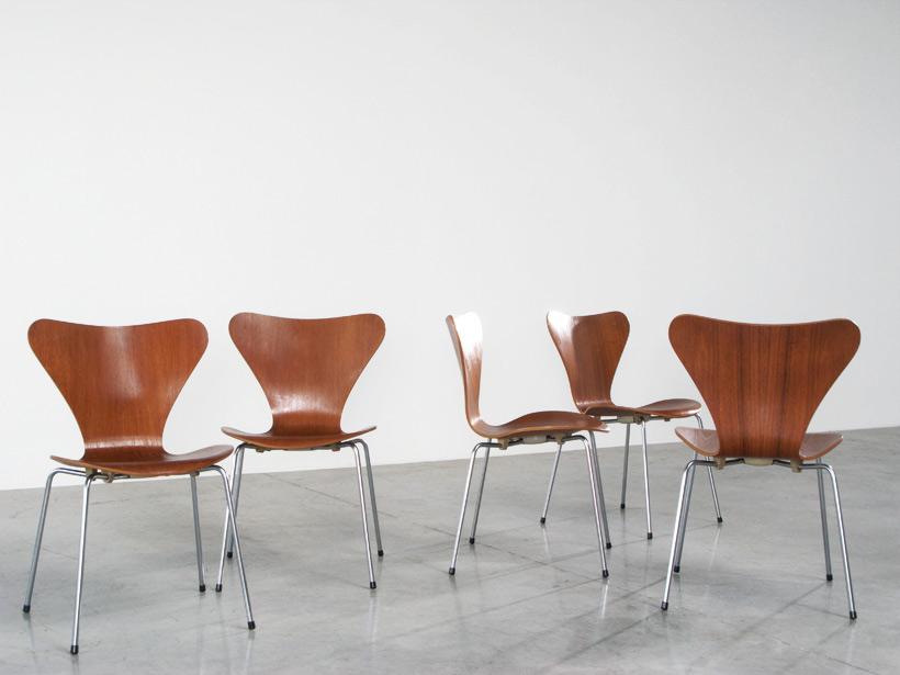 Arne Jacobsen 5 teak chairs 3107 Fritz Hansen 1972