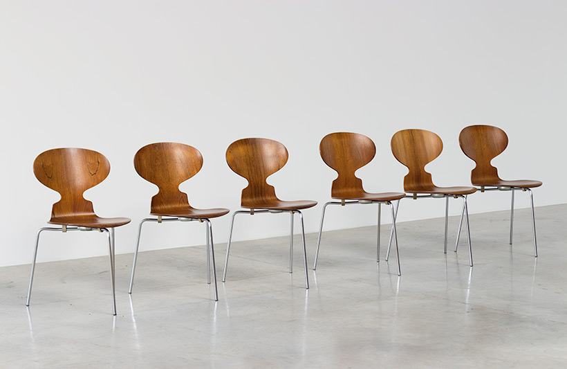 Arne Jacobsen set of six Danish Ant chairs in rosewood Fritz Hansen img 4