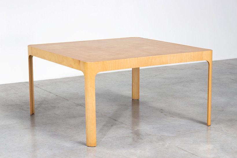 Birch wooden dinning table with curved legs img 6