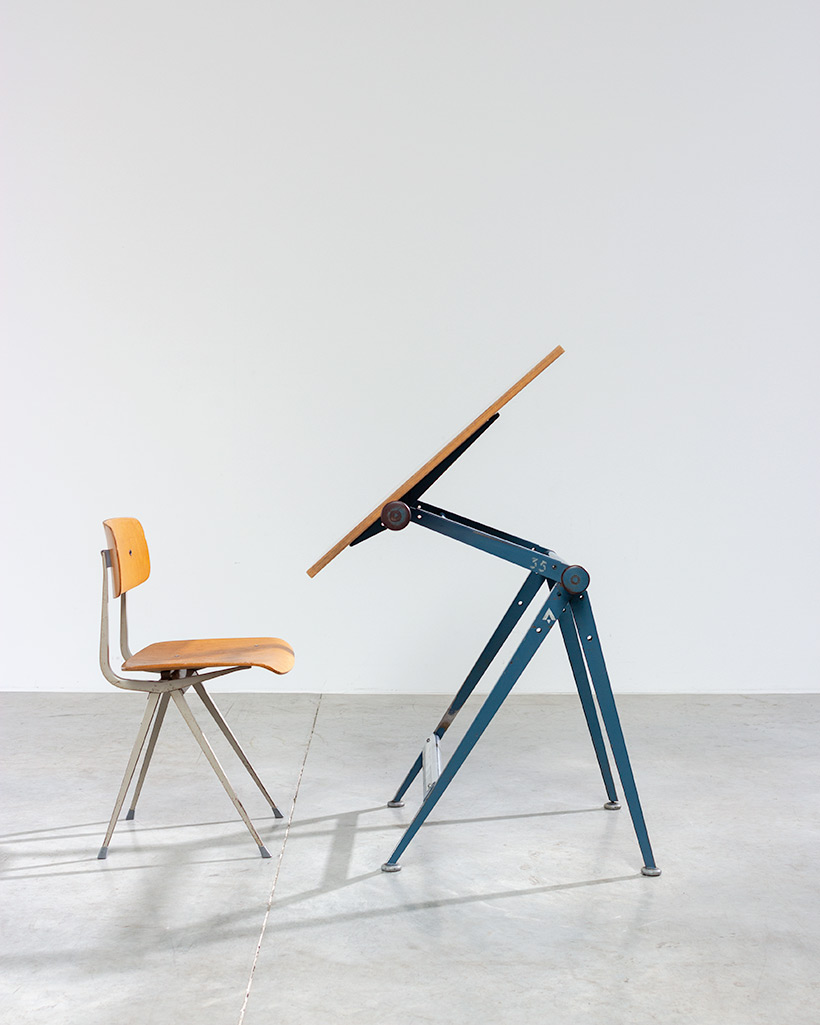 Blue Reply desk table designed by Wim Rietveld and Friso Kramer chair
