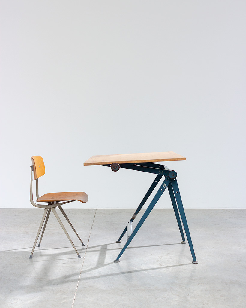 Blue Reply desk table designed by Wim Rietveld and Friso Kramer chair img 3