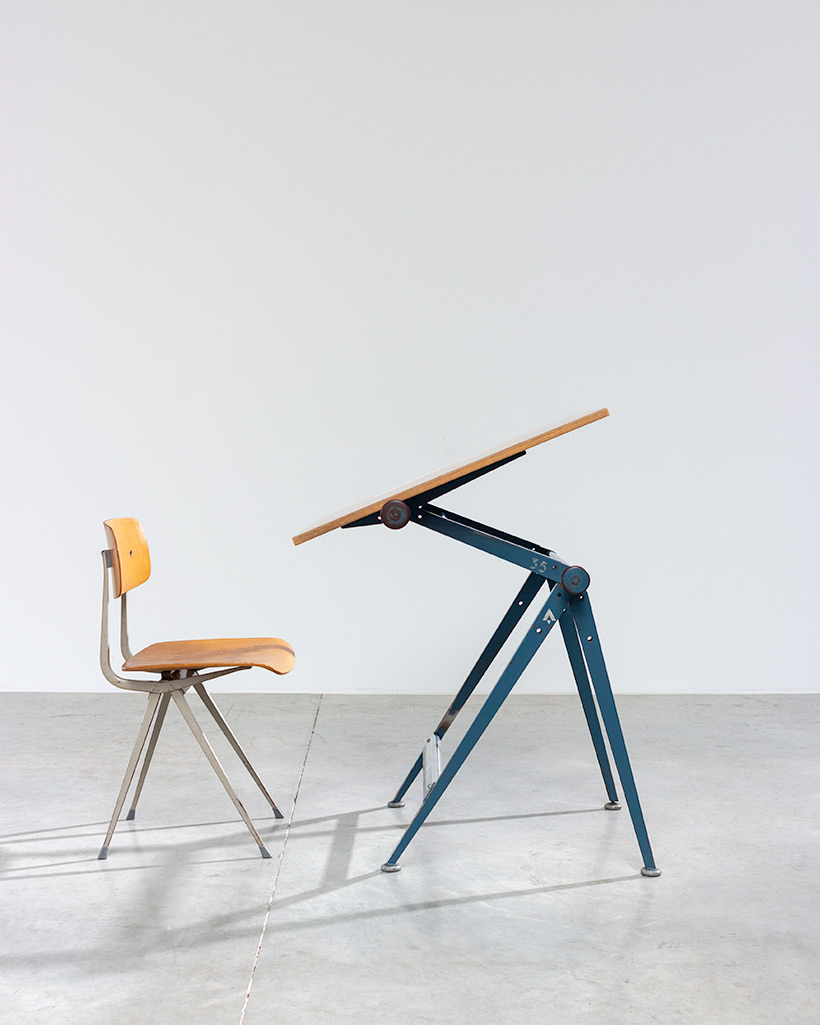 Blue Reply desk table designed by Wim Rietveld and Friso Kramer chair img 4