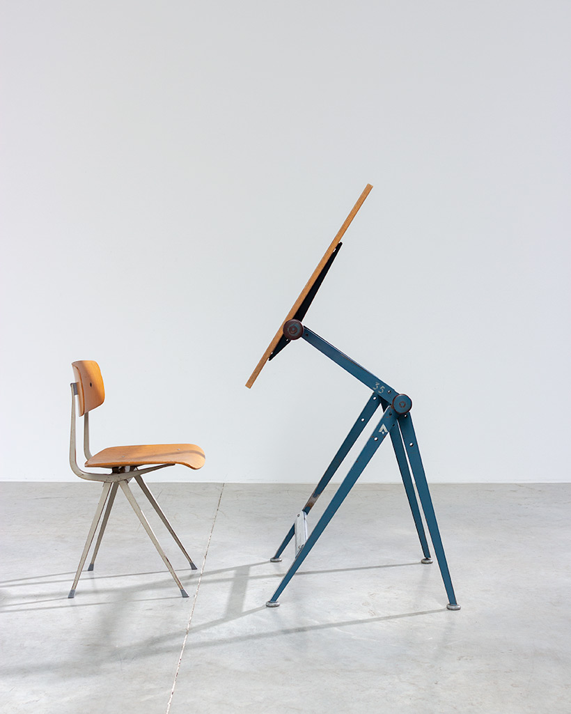 Blue Reply desk table designed by Wim Rietveld and Friso Kramer chair img 5