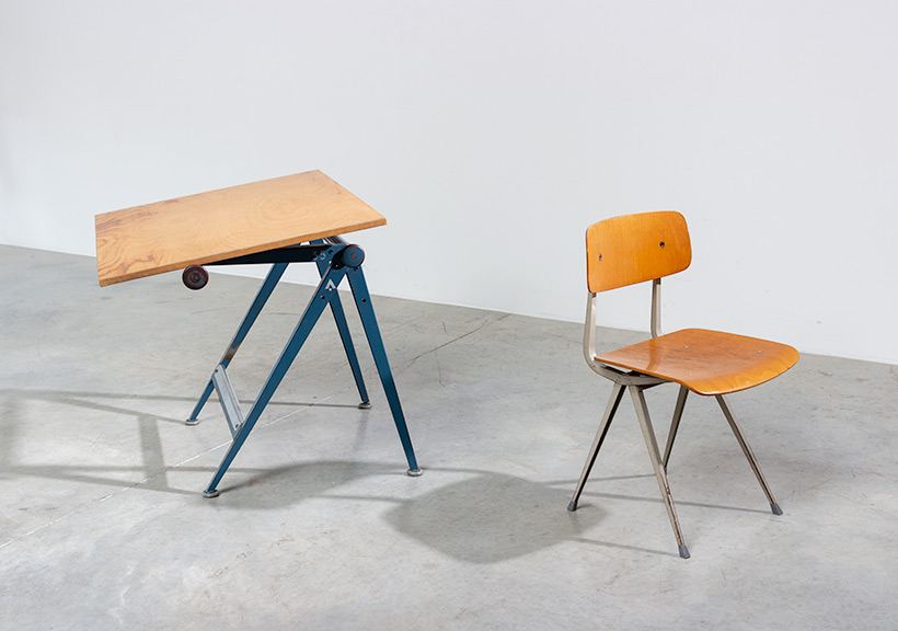 Blue Reply desk table designed by Wim Rietveld and Friso Kramer chair img 7