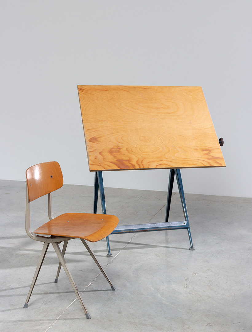 Blue Reply desk table designed by Wim Rietveld and Friso Kramer chair img 8