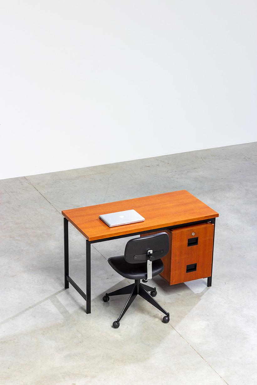 Cees Braakman modernist writing table EU01 Japanese series Pastoe