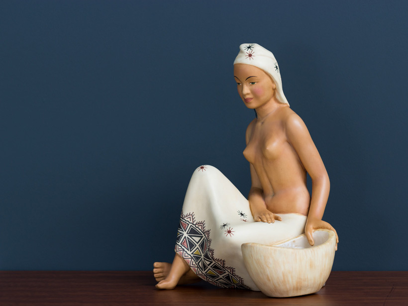 Ceramic nude figurine Torino img 4