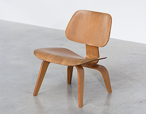 Charles Eames plywood chair LCW Evans Products Company