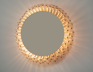 Circular illuminated flower mirror