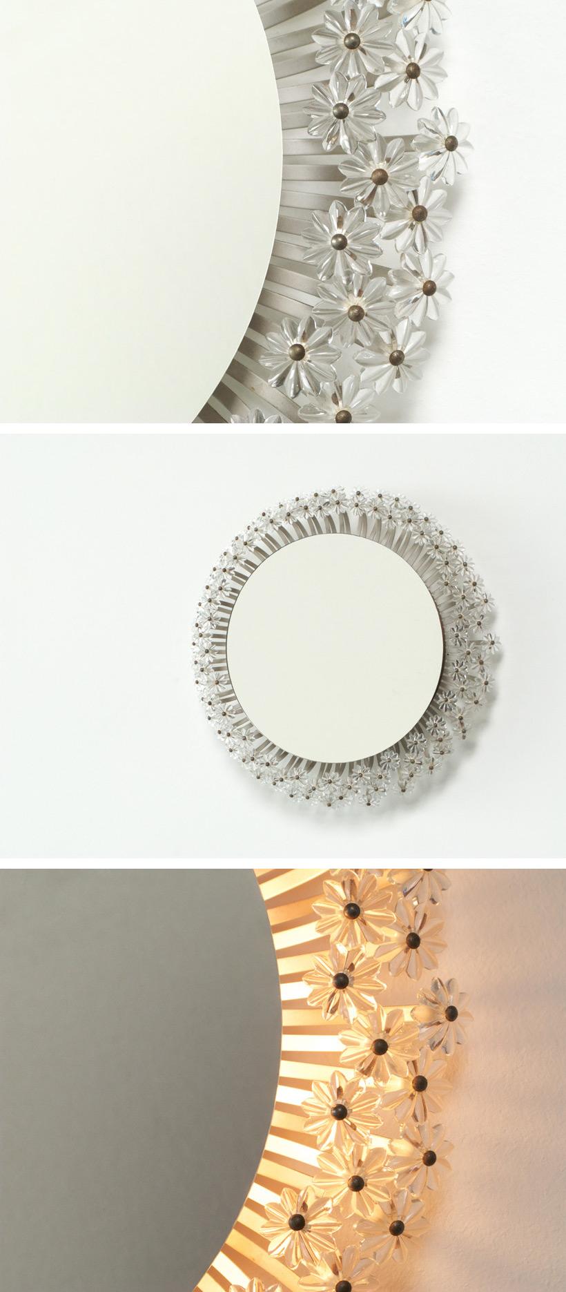 Circular illuminated flower mirror Large