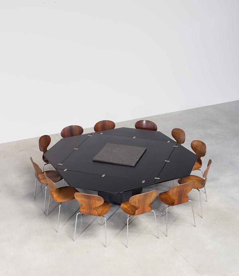 Cirkante dinning table Bob Van den Berghe Pauvers 1976