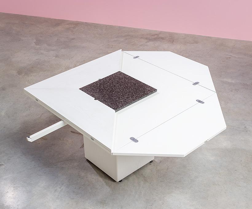 Cirkante postmodern white table Bob Van Den Berghe Pauvers 1976 img 4