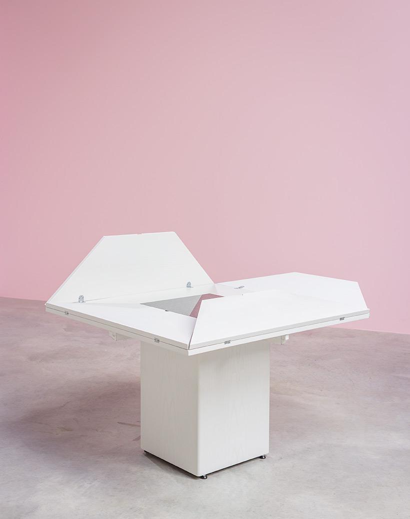 Cirkante postmodern white table Bob Van Den Berghe Pauvers 1976 img 7