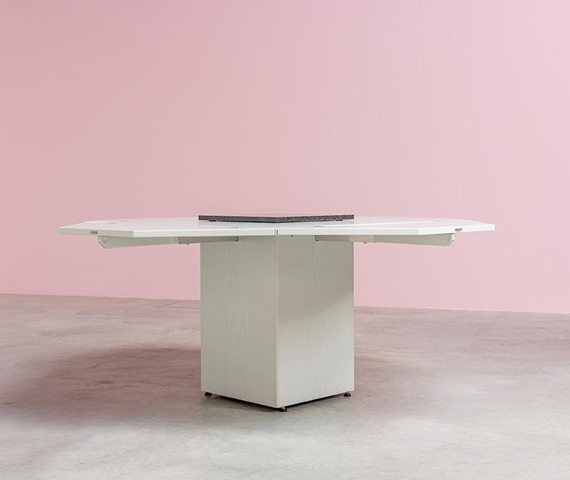 Cirkante postmodern white table Bob Van Den Berghe Pauvers 1976 img 8