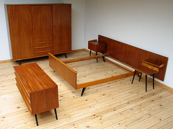 Complete danish modern teak bedroom eames era furniture love for Vintage danish modern bedroom furniture