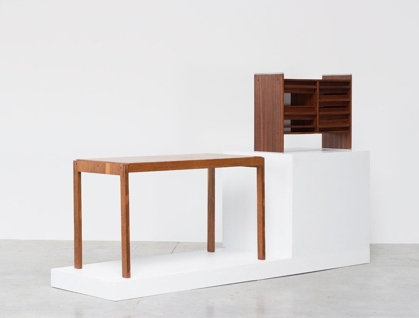 Decoplan De Coene desk Anatole Vanden Berghe and Philippe Neerman Large