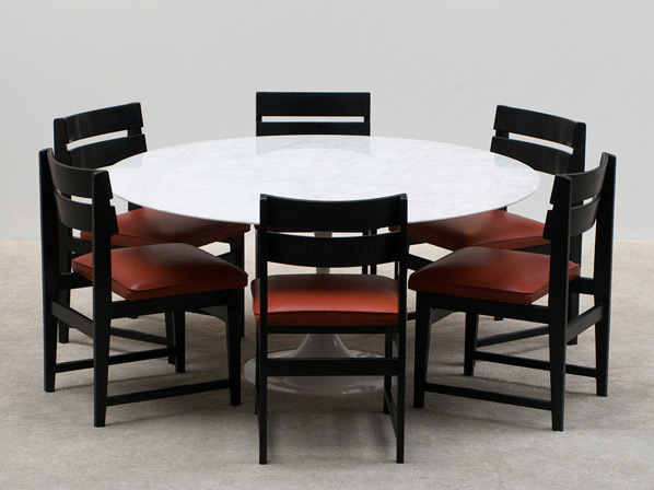 Eero Saarinen round marble dinning table Knoll