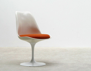 Eero Saarinen Tulip Chair Knoll international