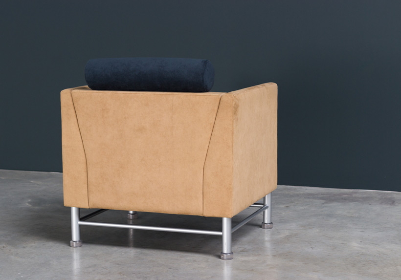 Ettore Sottsass Eastside lounge chair Memphis Knoll img 7