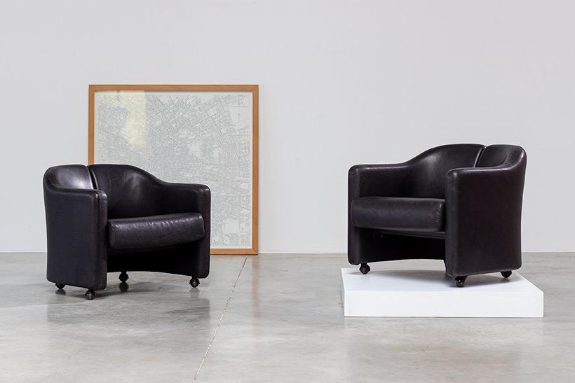 Eugenio Gerli two black leather lounge chairs Tecno Milano img 5