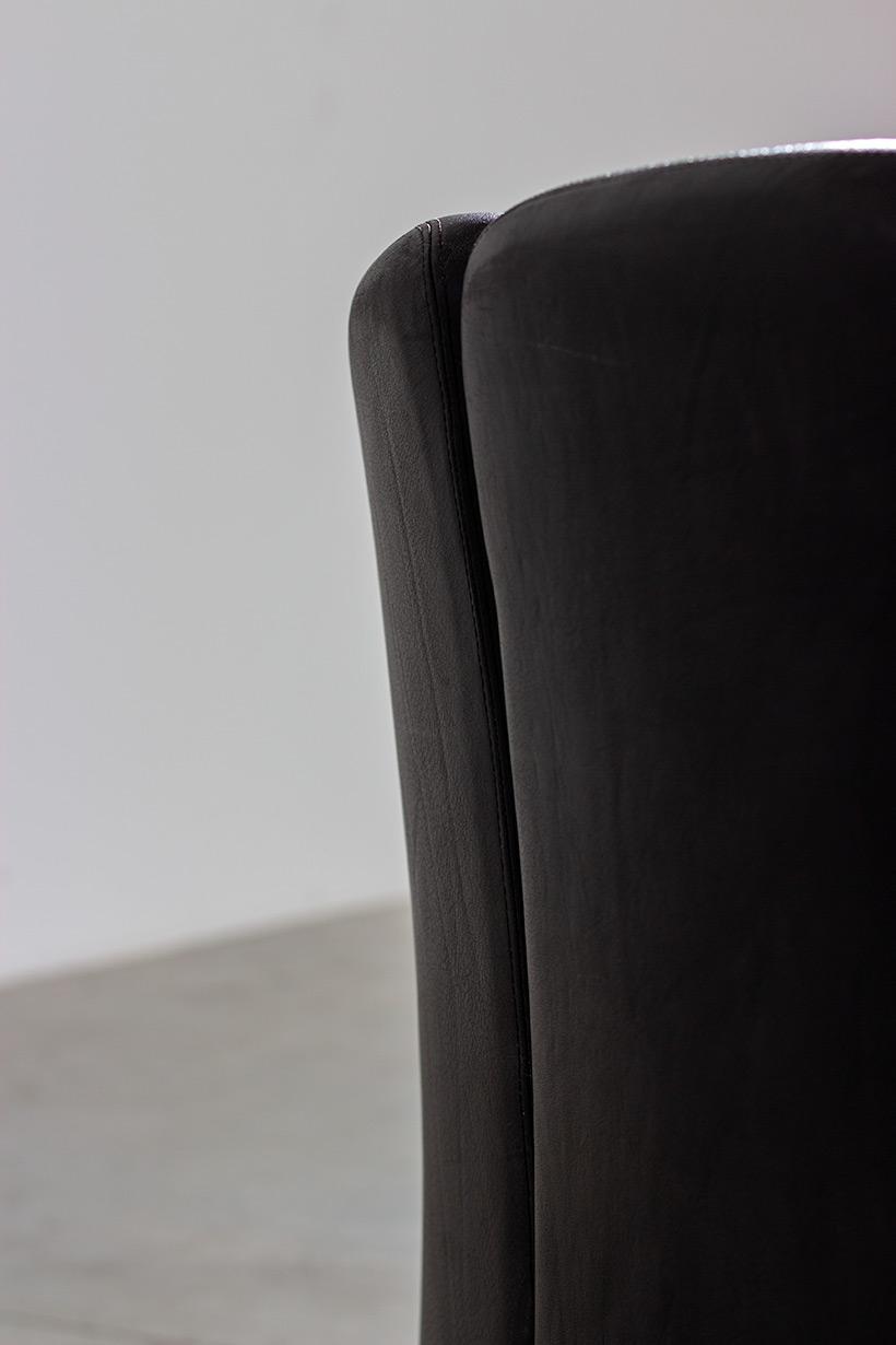 Eugenio Gerli two black leather lounge chairs Tecno Milano img 7