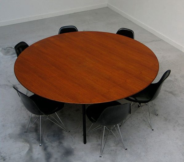 Florence Knoll Executive round conference dining table