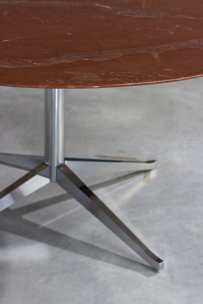 Florence Knoll table or desk in rojo Alicate marble 1961 Large