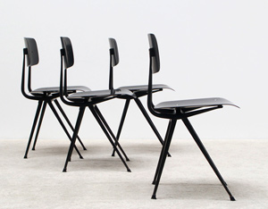 Friso Kramer 4 black Result chairs Ahrend de Cirkel Industrial design