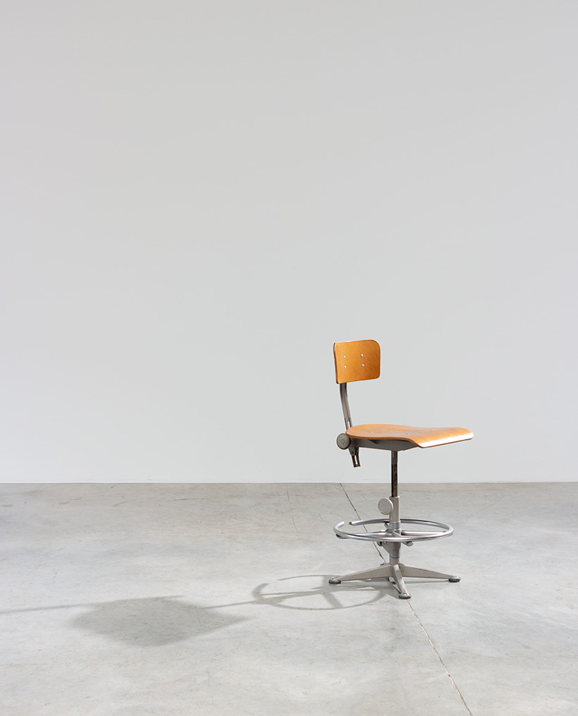 Friso Kramer Architect chair Ahrend de Cirkel 1960 img 3