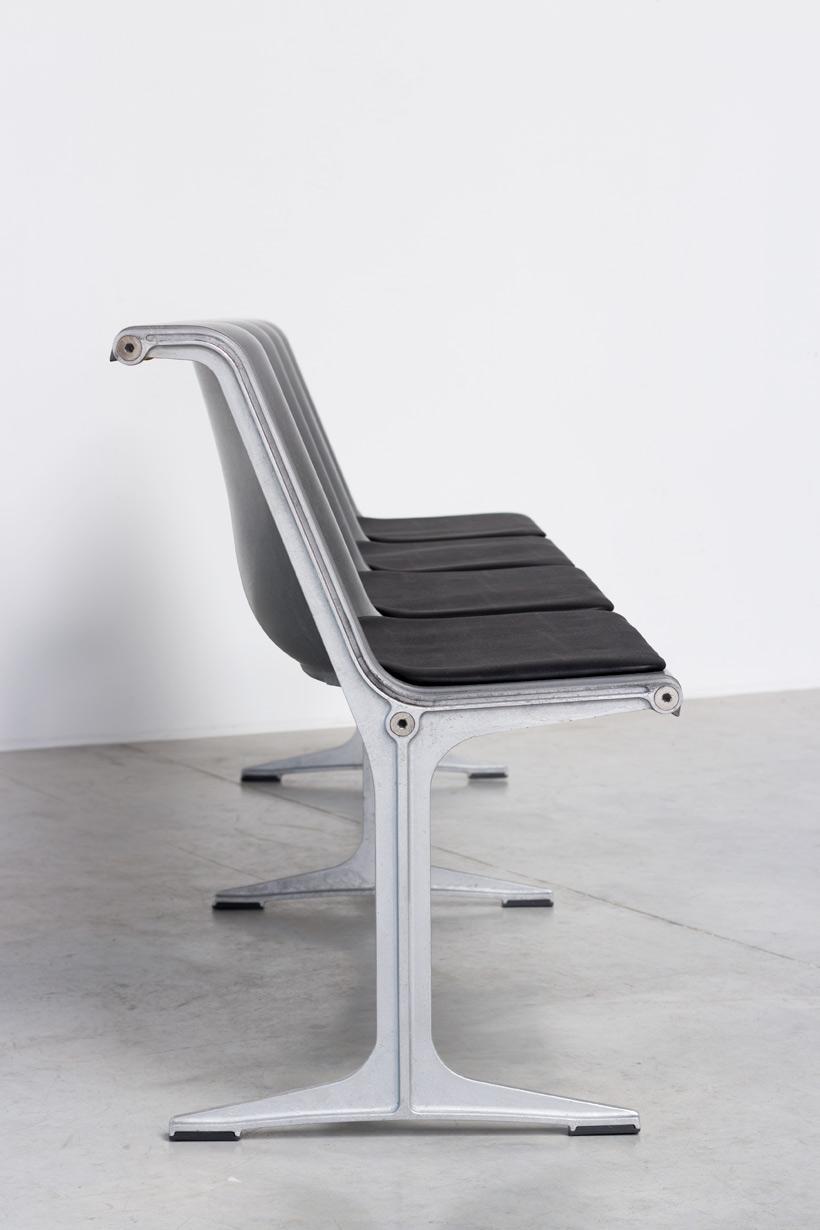 Friso Kramer Wilkhahn grey fiberglass double bench 1967