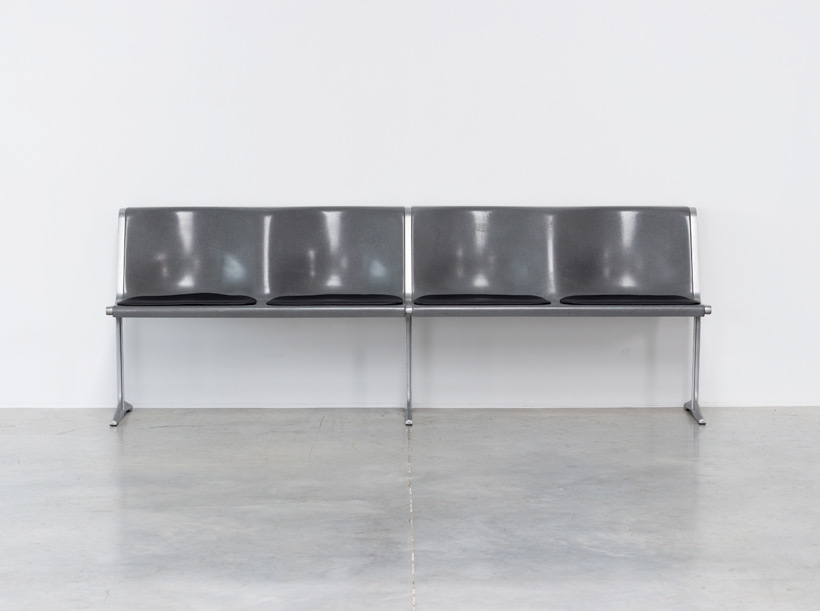 Friso Kramer Wilkhahn grey fiberglass double bench 1967 img 3