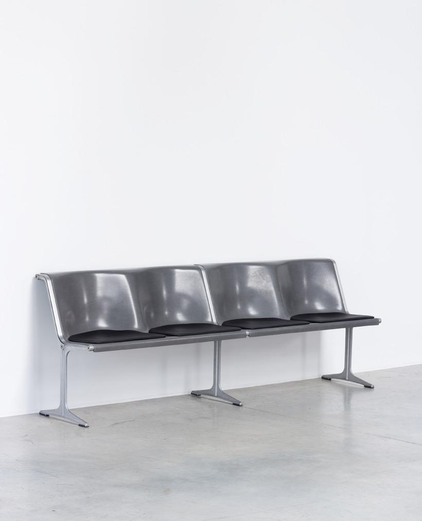Friso Kramer Wilkhahn grey fiberglass double bench 1967 img 4