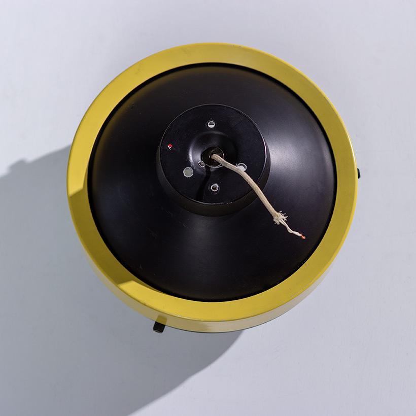 Gino Sarfatti Arteluce yellow and black ceiling light 3027 p img 4