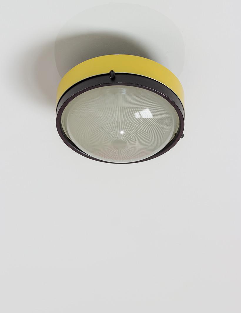 Gino Sarfatti Arteluce yellow and black ceiling light 3027 p img 6