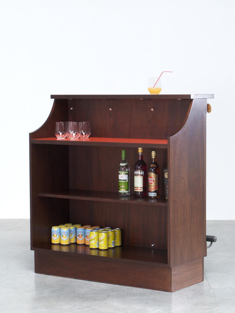 Graphic modern Belgian cocktail bar 1970 img 6