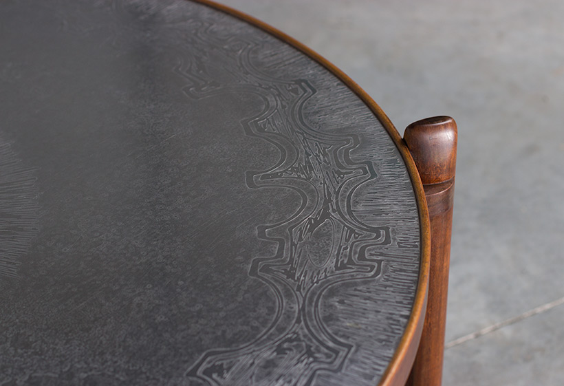 Heinz Lilienthal Etched circular Walnut Coffee Table circa 1960 img 5