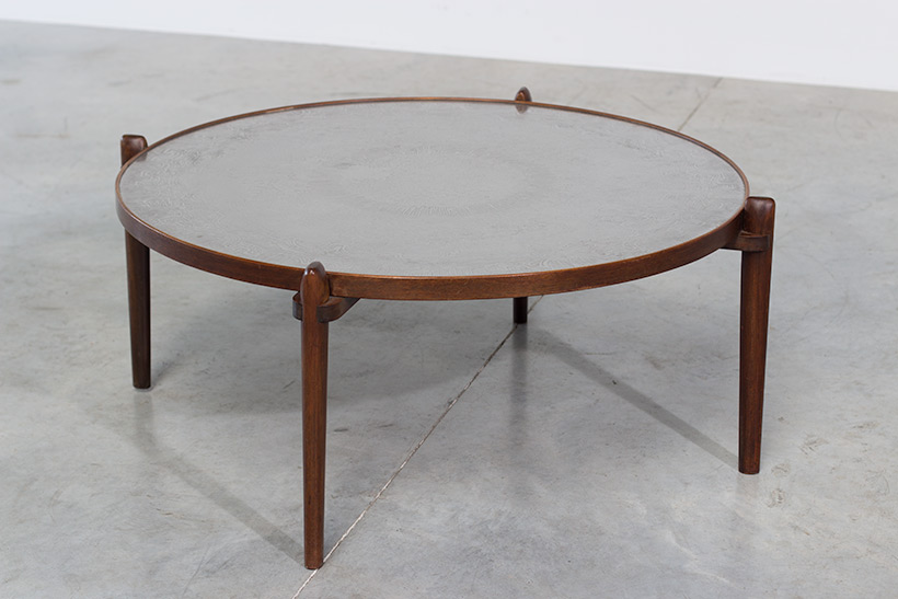 Heinz Lilienthal Etched circular Walnut Coffee Table circa 1960 img 7