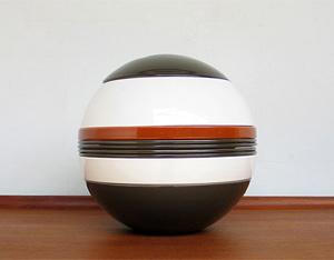 Helen von Boch La Boule Avant Garde table ware