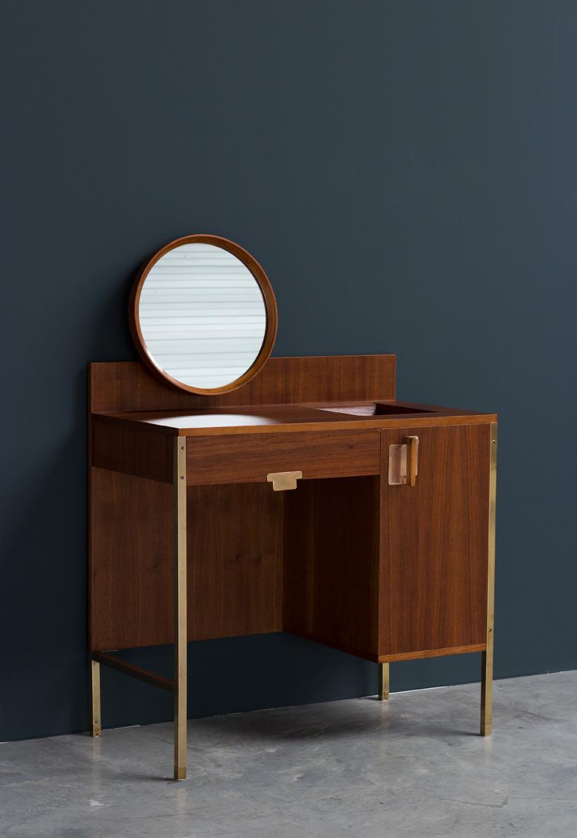 Ico Parisi Make Up table from the Positano series MIM Roma