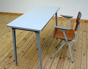 Industrial Result chair and side table Friso Kramer De Cirkel