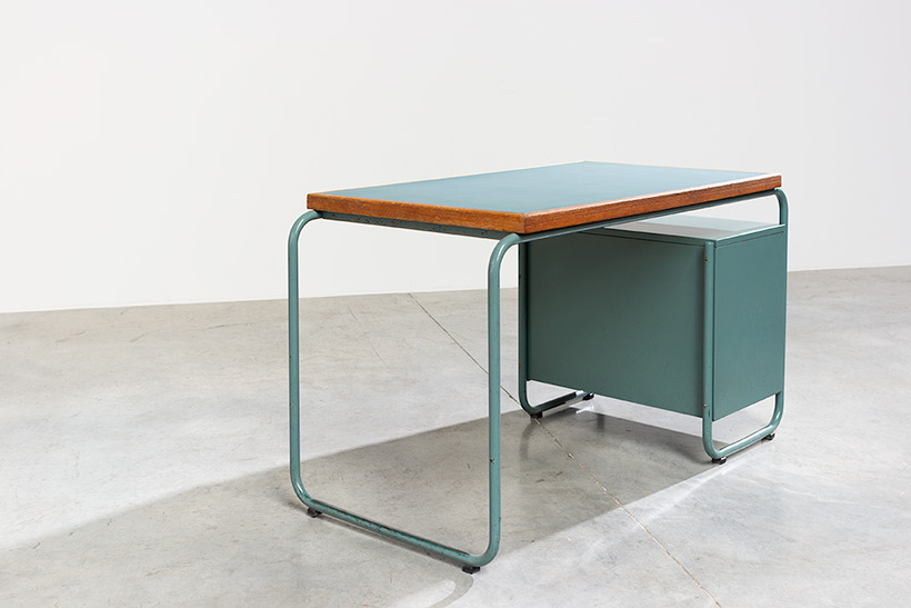Industrial Tubular Steel and Linoleum Desk Bauhaus 1940s img 9