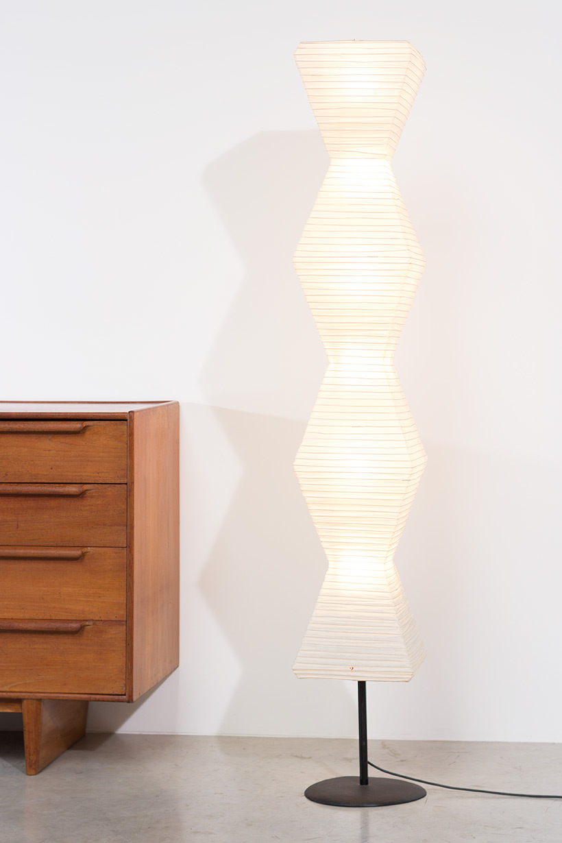 Isamu Noguchi Akari light Shoji paper The Endless Column Floor lamp