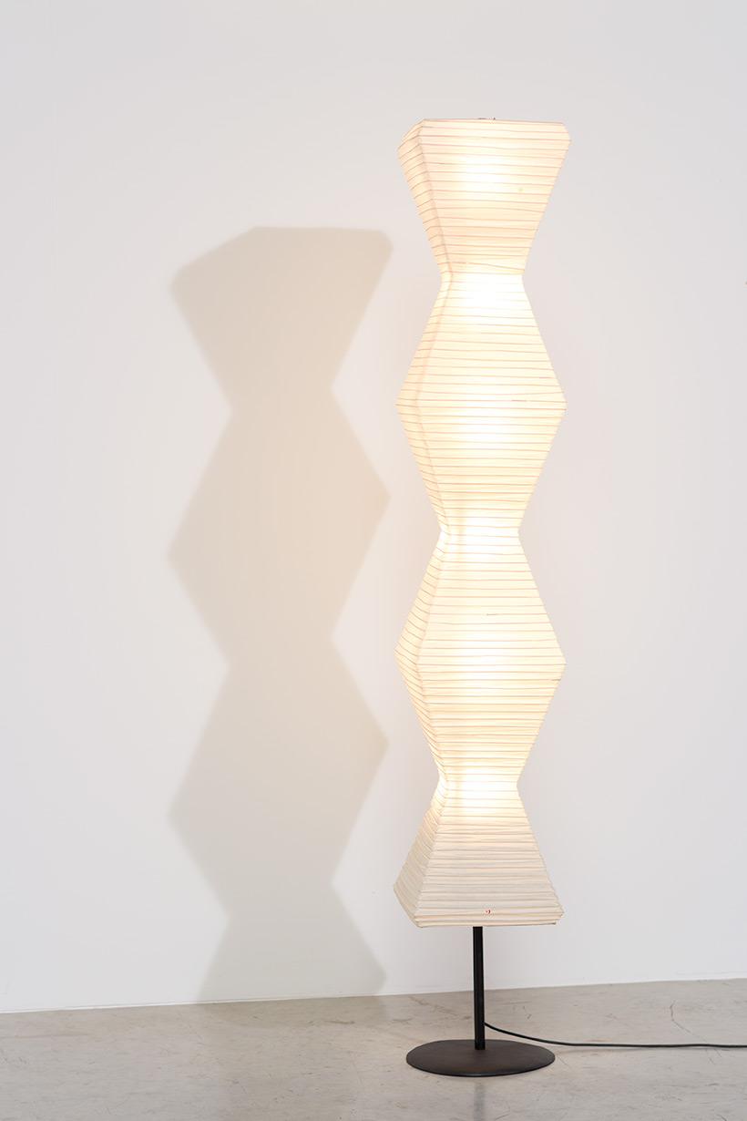 Isamu Noguchi Akari light Shoji paper The Endless Column Floor lamp img 6