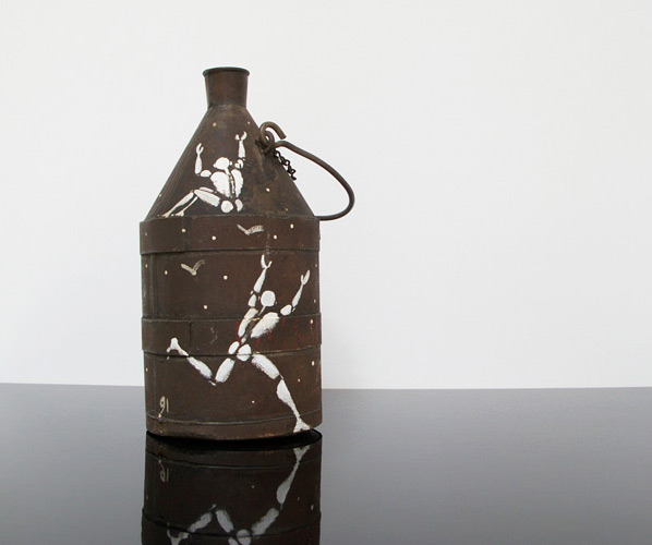 Jerome Mesnager Corps Blanc painting on milk can