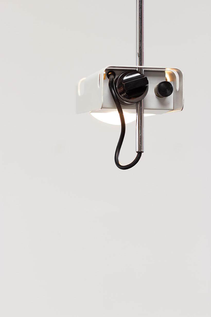 Joe Colombo Desk lamp Spider for Oluce 1960 img 4